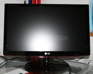 "LG W2261V: 21,5"" - FullHD"